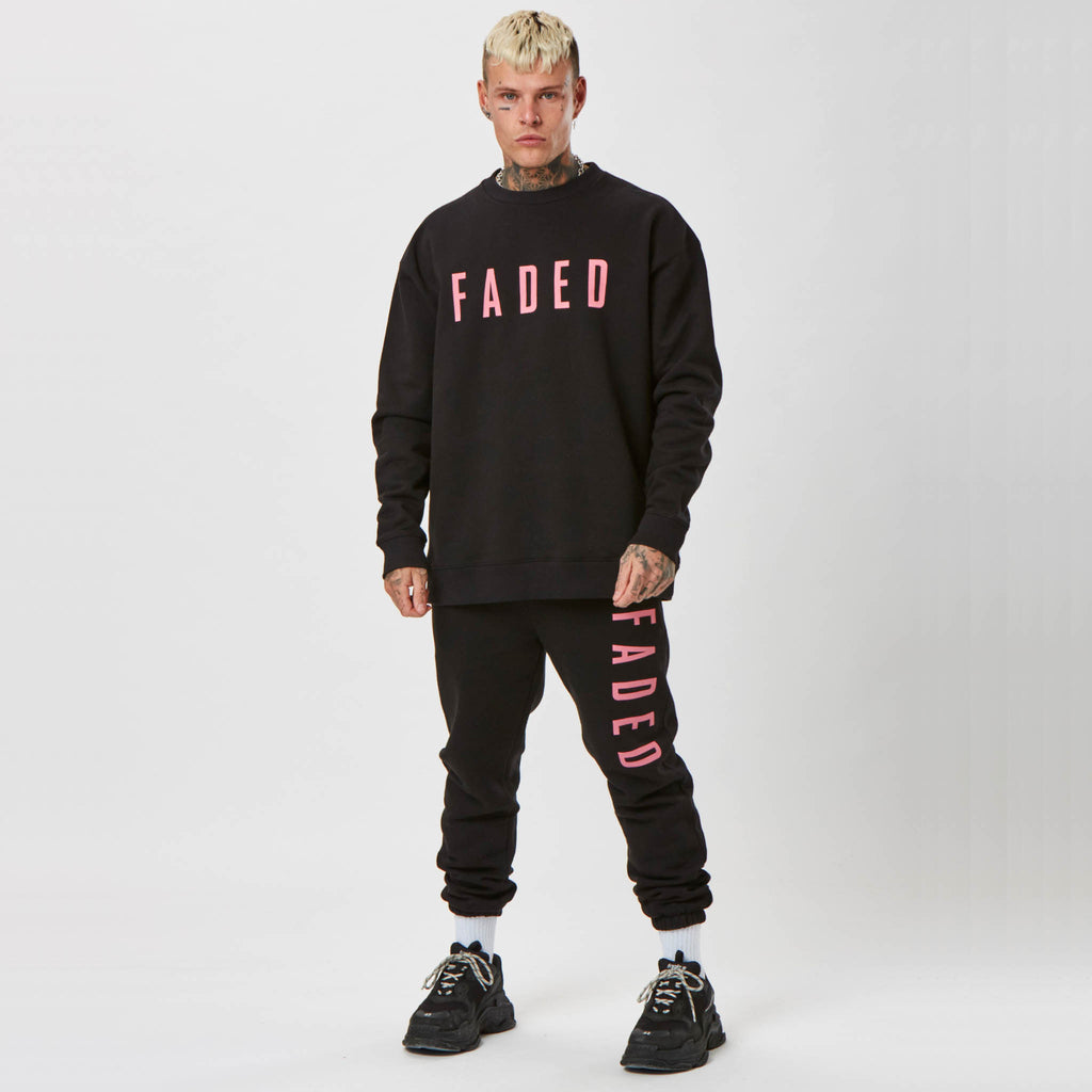 Jumper and joggers for men with pink branding