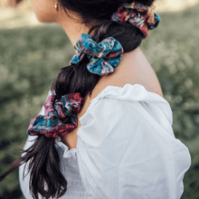 Load image into Gallery viewer, Zero Waste Scrunchie in Red