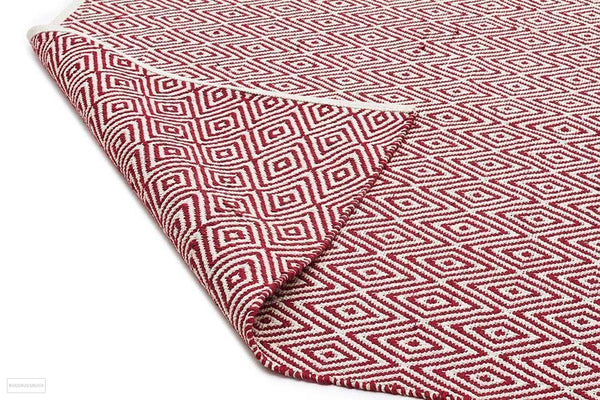 Habitat Diamond Pattern Rug - Red - FLATWEAVE