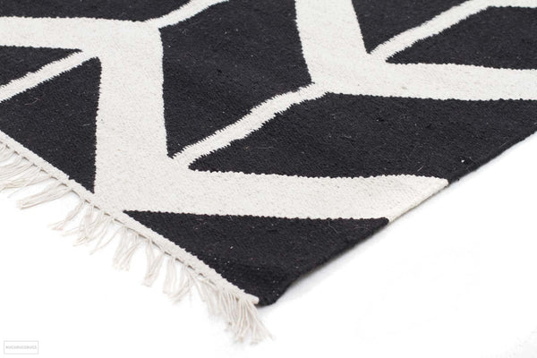 Fantasy Firefly Black Chevron Dreams Handmade Wool Rug - Modern