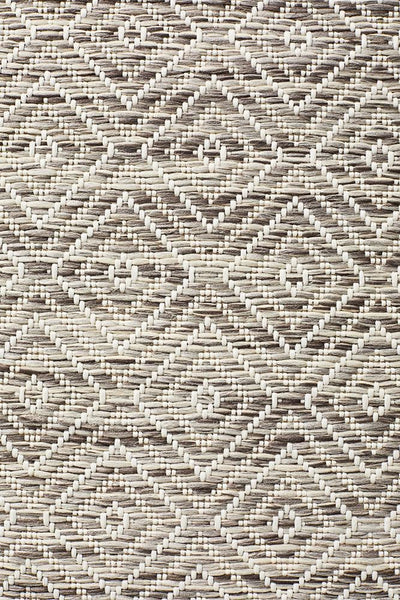 Terrace Clara Diamond Rug Natural - MODERN