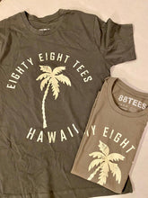 Load image into Gallery viewer, MENS PALM TREE HAWAII TEE