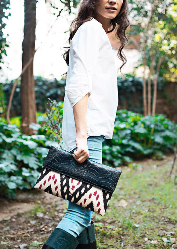 ELSWORTHY IKAT CLUTCH-BLACK