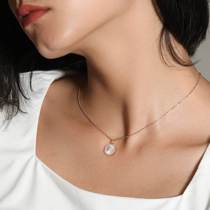 Rose Gold Convex Round Mother of Pearl Pendant Necklace