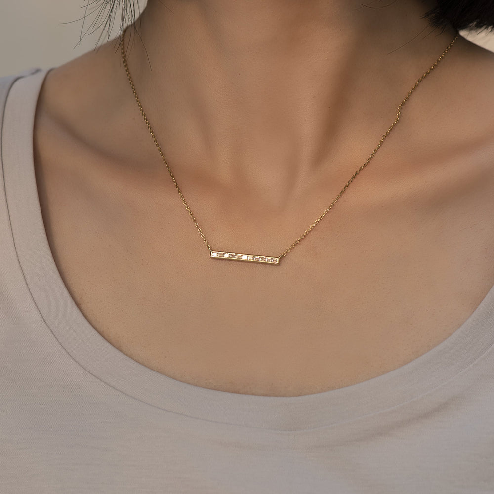 shining Cubic Zirconia Bar Necklace