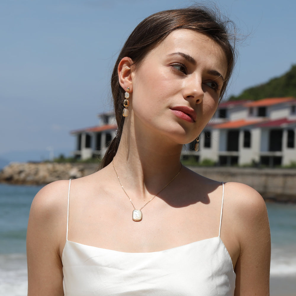 Mother Of Pearl Irregular Shape Necklace