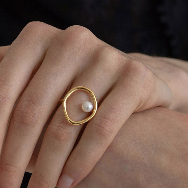 Vintage Irregular Circle Pearl cocktail Ring