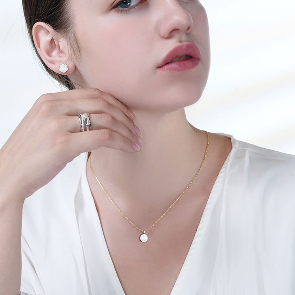 gold minimalist small round mother of pearl necklace for women