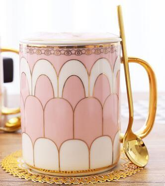 The Porcelain Royal Mug
