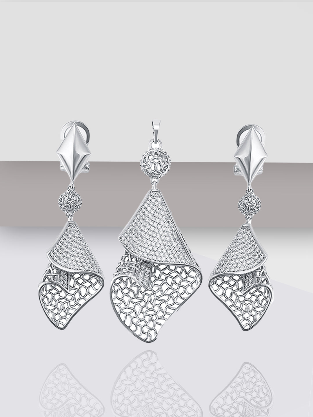 Avant-Garde Paris Luxury Classy Cubic Zirconia Pendant Earrings Set
