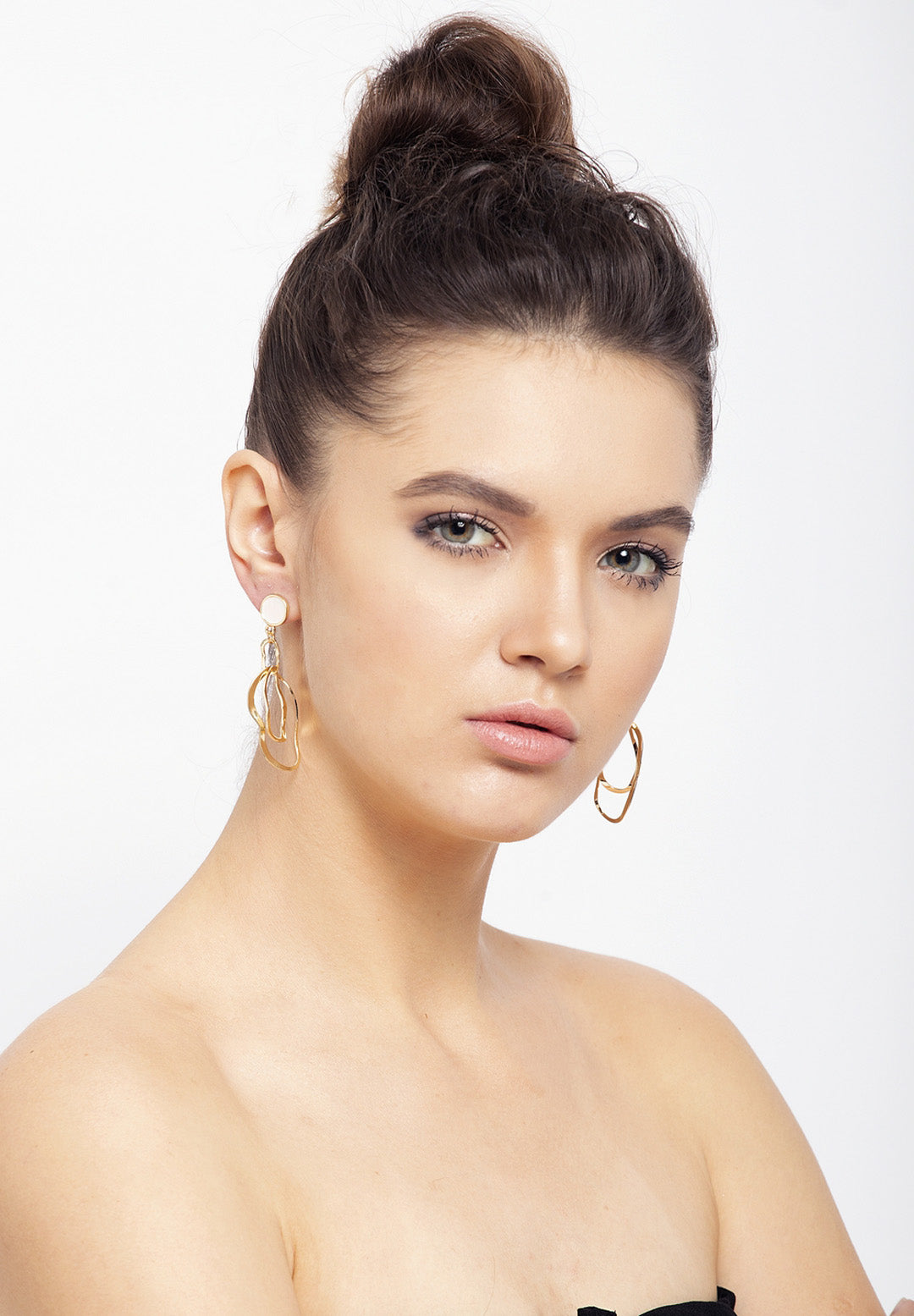 Avant-Garde Paris Sleek Gold-Plated Stone Earrings