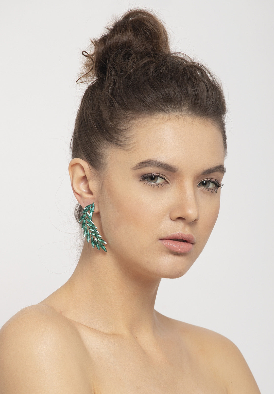 Avant-Garde Paris Elegant Crystal Curved Drop Earrings