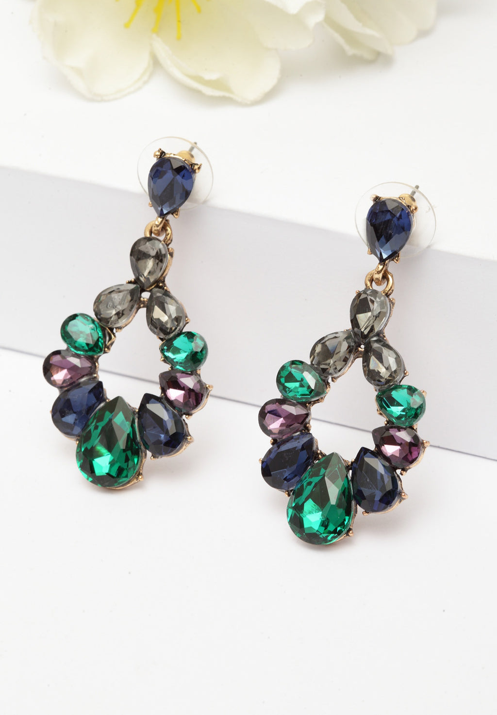 Avant-Garde Paris Classic Mysterious Crystal Dangle Earrings