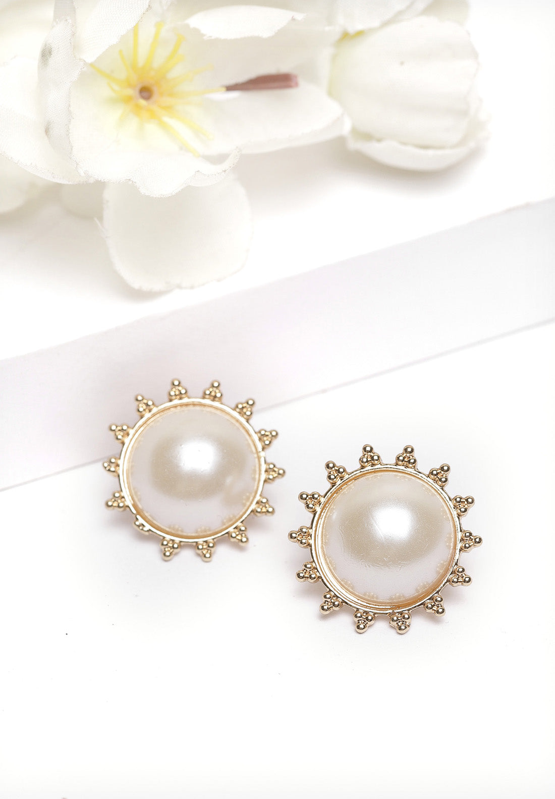 Avant-Garde Paris Gold Round Pearl Stud Earrings