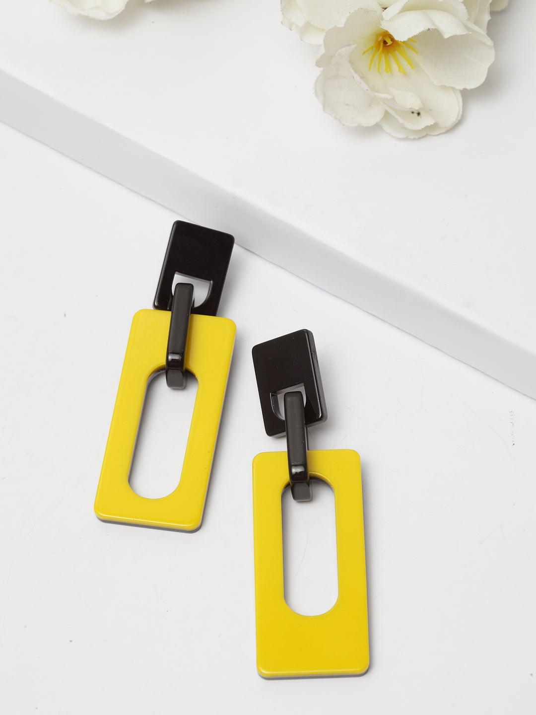 Avant-Garde Paris Elegant Square Earrings