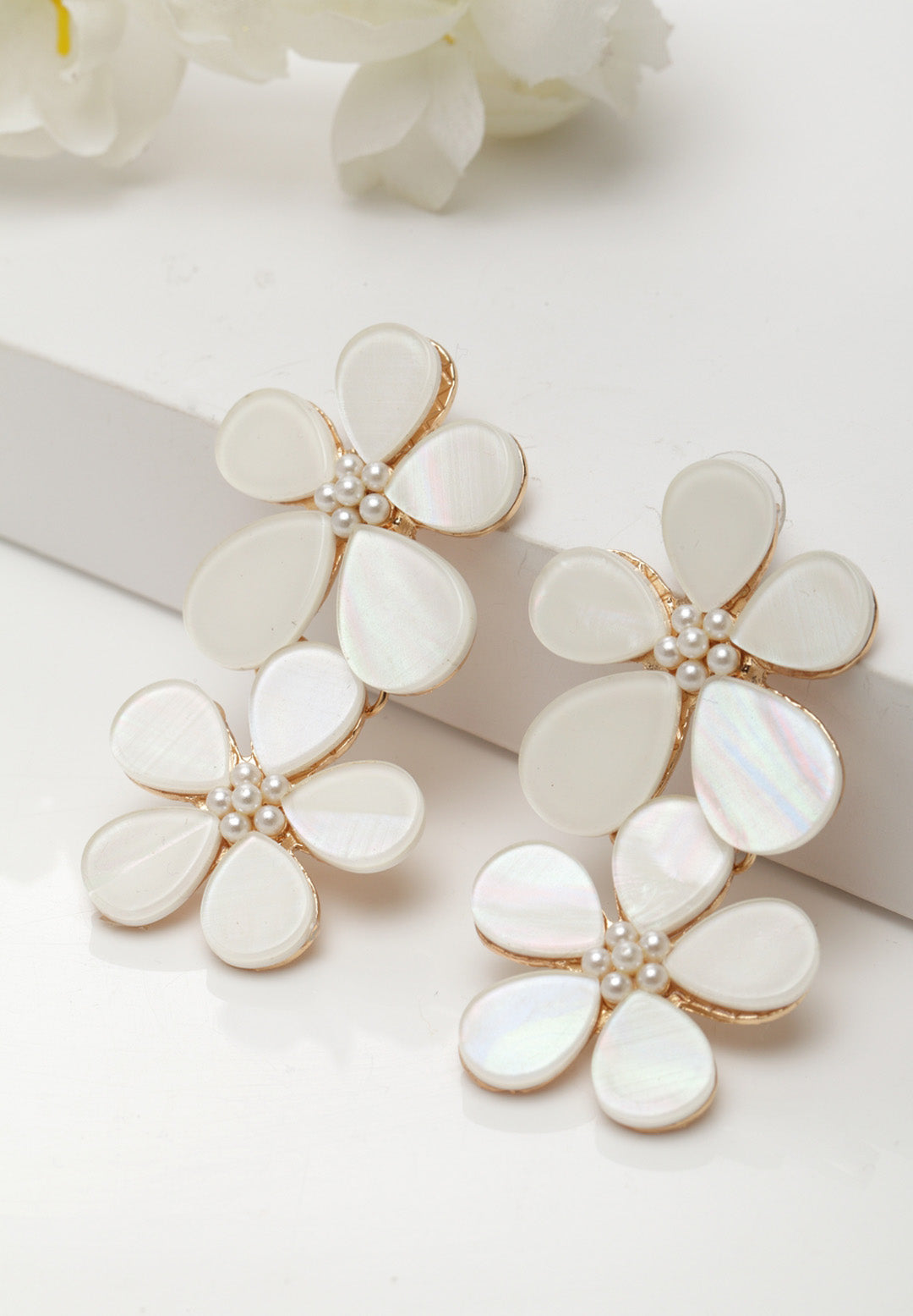 Avant-Garde Paris Statement Korean Bohemian Cute Acrylic Flower Stud Earrings