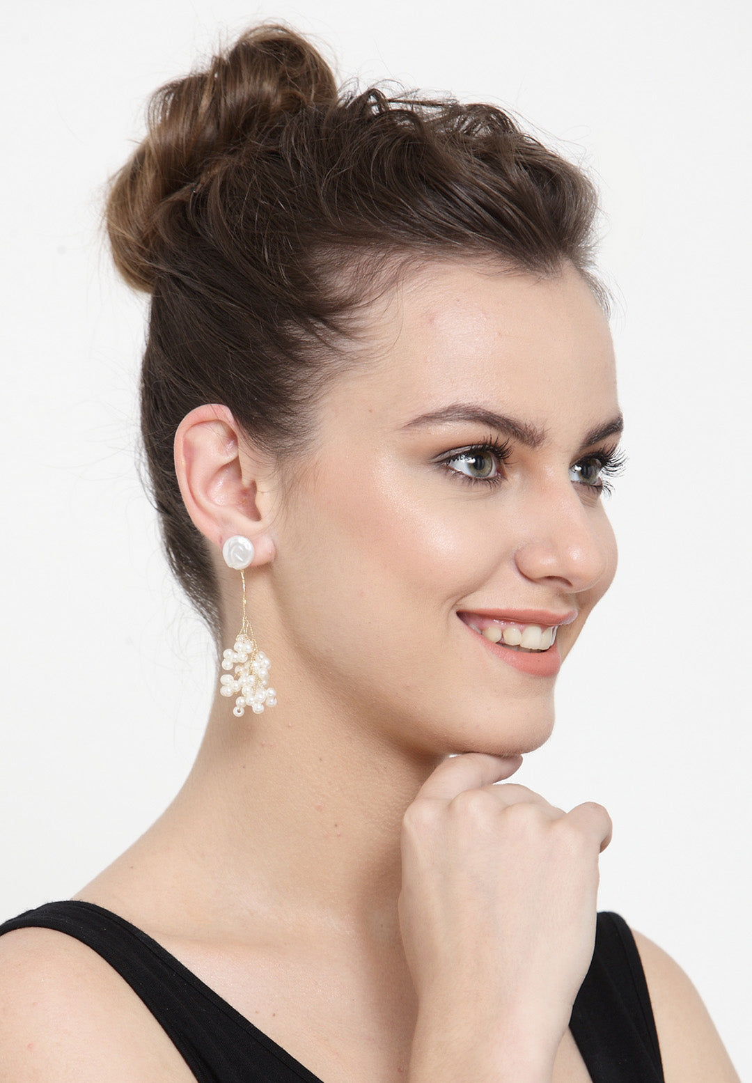 Avant-Garde Paris Statement Bohemian Cute Pearl Flower Stud Earrings