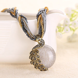 Short Chain peacock Stone Pendant Necklaces
