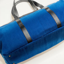 Flores Weekender Bag {navy} - Global Hues Market