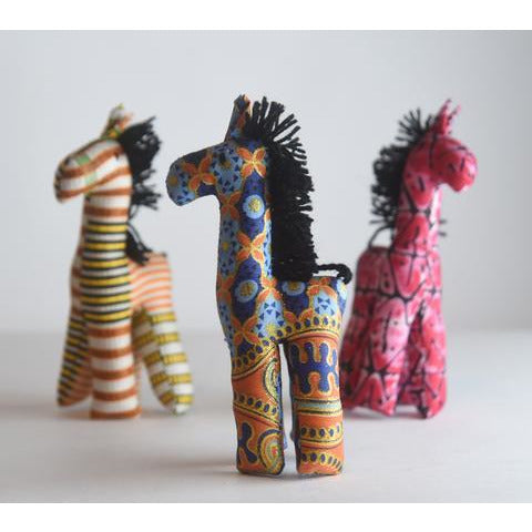Stuffed Giraffe {uganda} - Global Hues Market