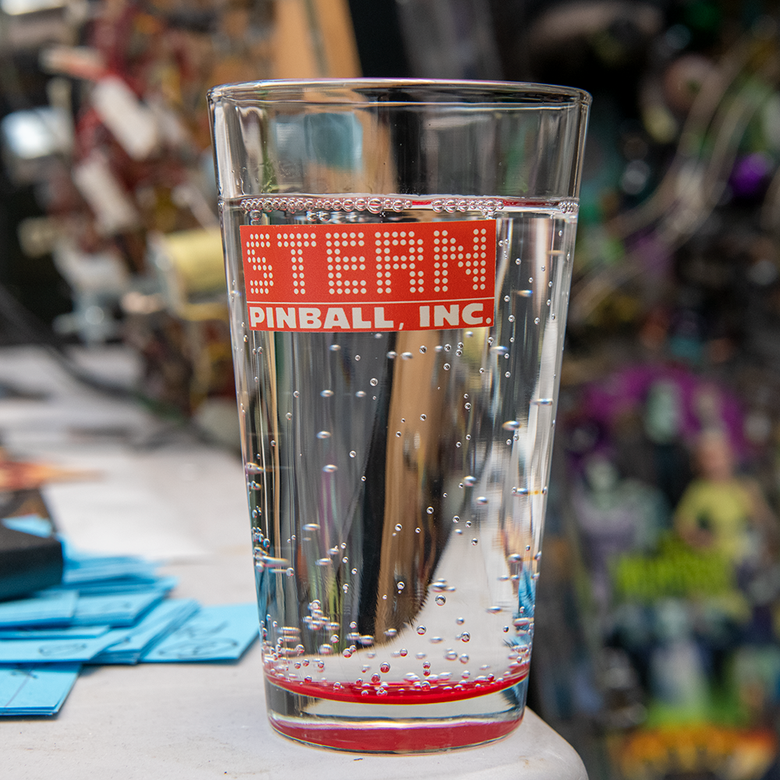 Stern Retro Pint Glass Set