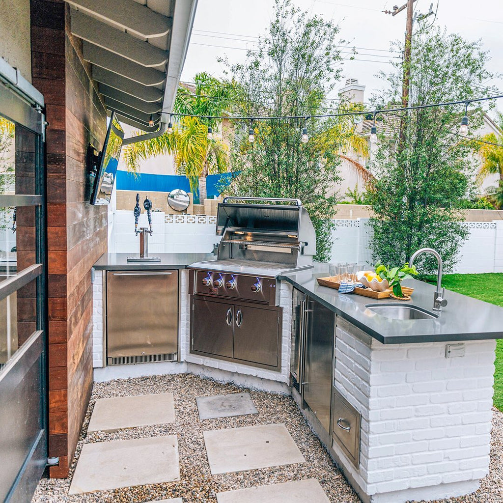 Beautifully Remodeled Metropolitan Backyard with Custom Outdoor Kitchen, White Brick, and Hardwood Accent Wall