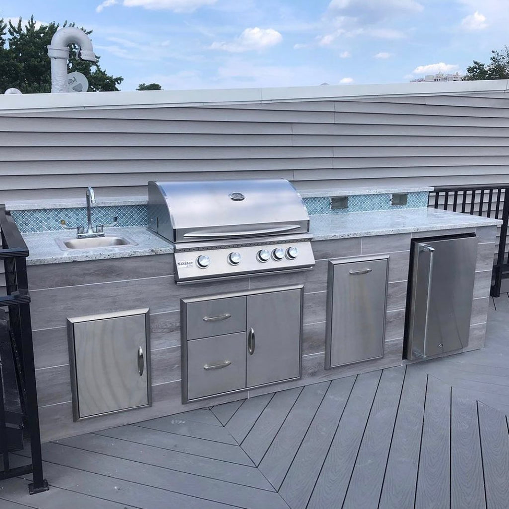 Space-Saving Outdoor Kitchen, Mosaic Backsplash, Rooftop Experience in Jersey City