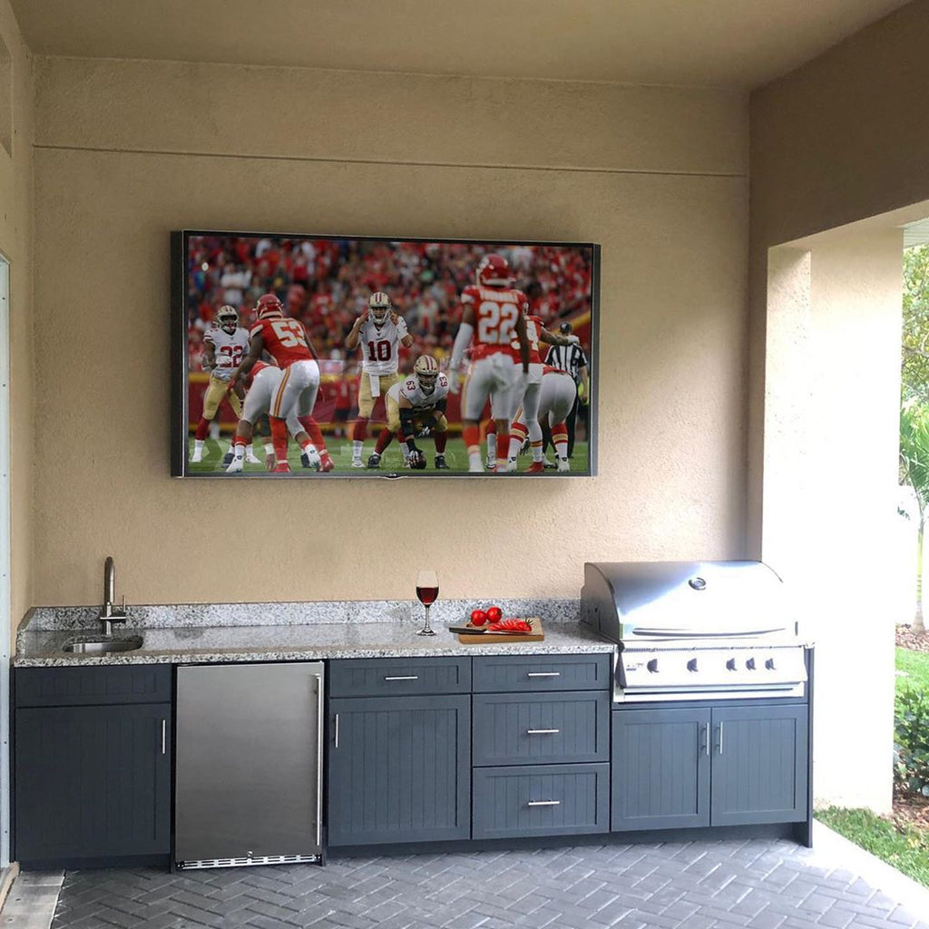 Watching the Big Game with Great Food in Your Own Custom Patio – The Florida Outdoor Living Experience!
