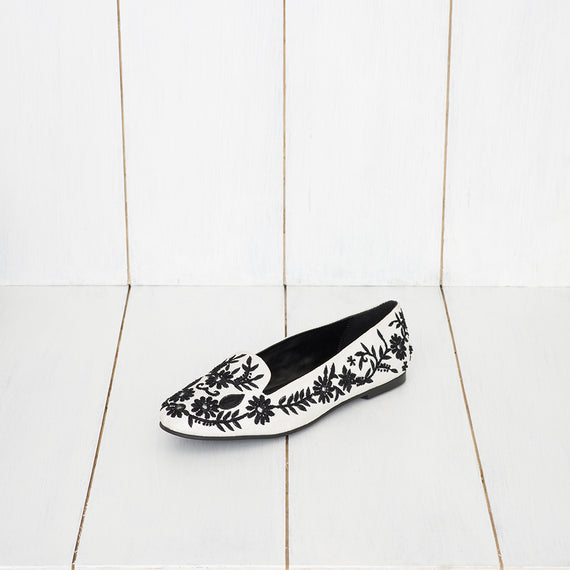 Luna - JUJU by Jyoti Sardar - handmade hand embroidered vegan shoes for women