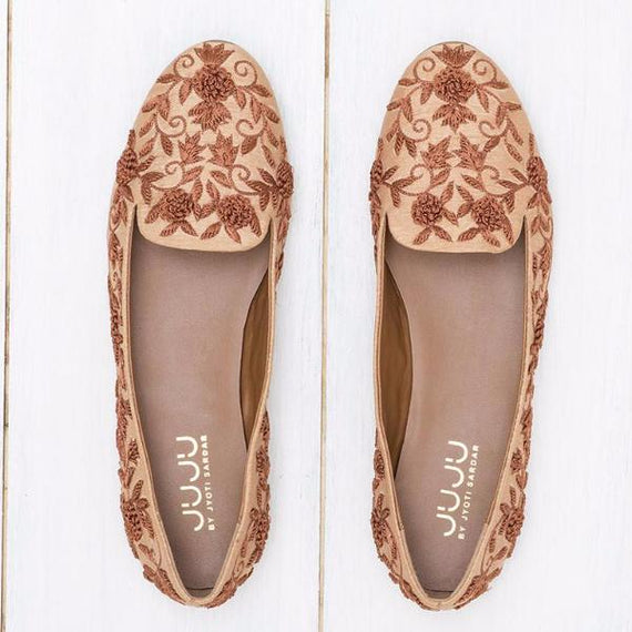 Mana - JUJU by Jyoti Sardar - handmade hand embroidered vegan shoes for women