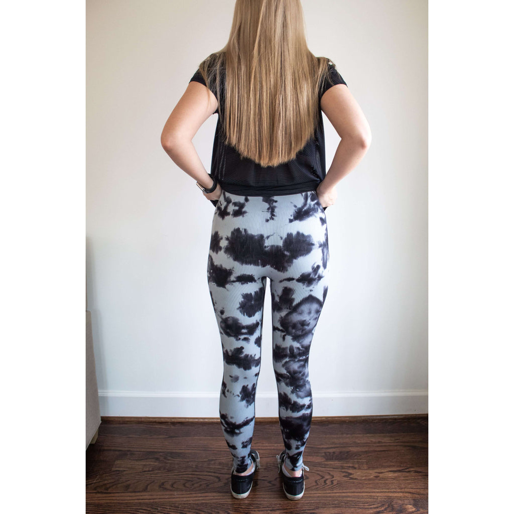 Ribbed Seamless High Rise Legging in Black/Blue Grey Tie Dye