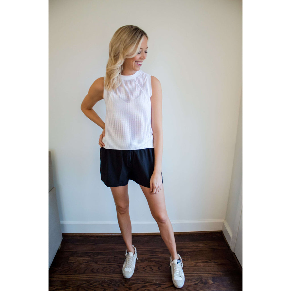 Drawstring Waist Shorts with Side Pockets in Black