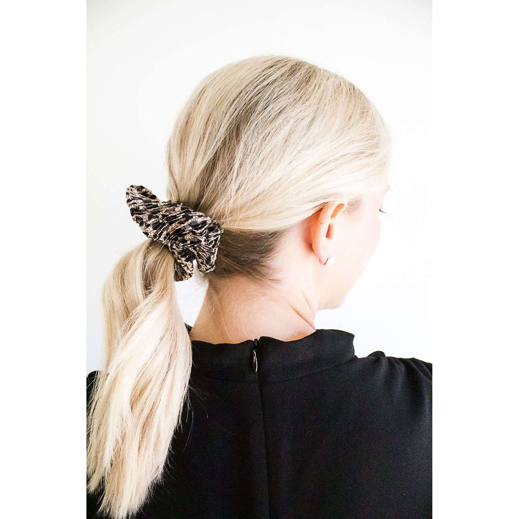 Pleated Leopard Print Scrunchie in Beige
