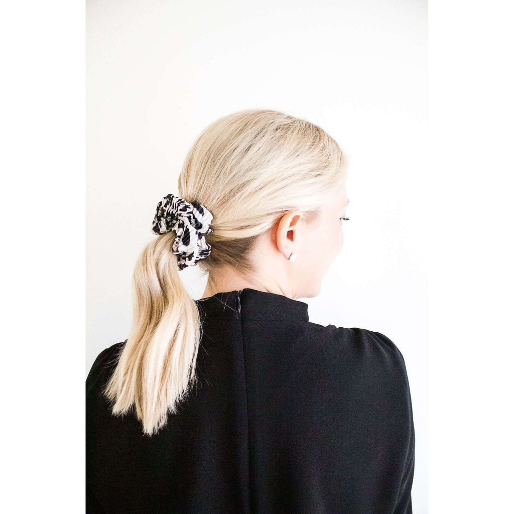 Pleated Leopard Print Scrunchie in White