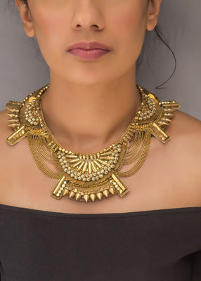 antho-neck piece