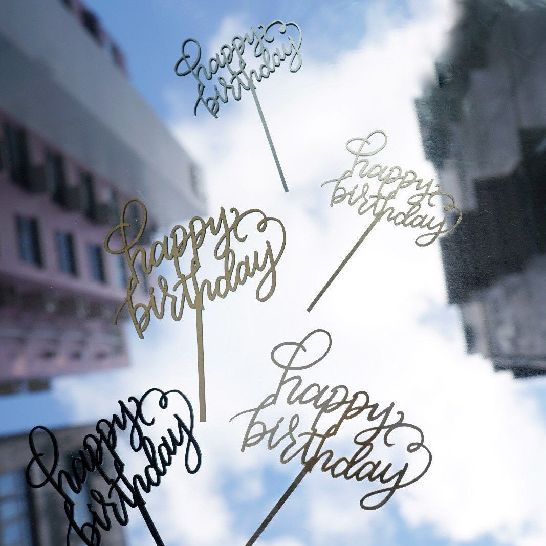 Jouer 'Happy Birthday' Cake Topper