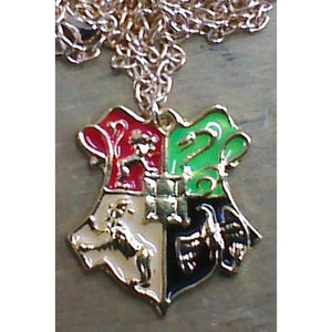 necklace_harry_potter_hogwarts_crest_S1KFRU0CDD1Y.JPG