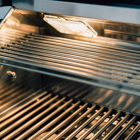 "Image of Summerset Sizzler Pro 32"" Built-in Gas Grill"