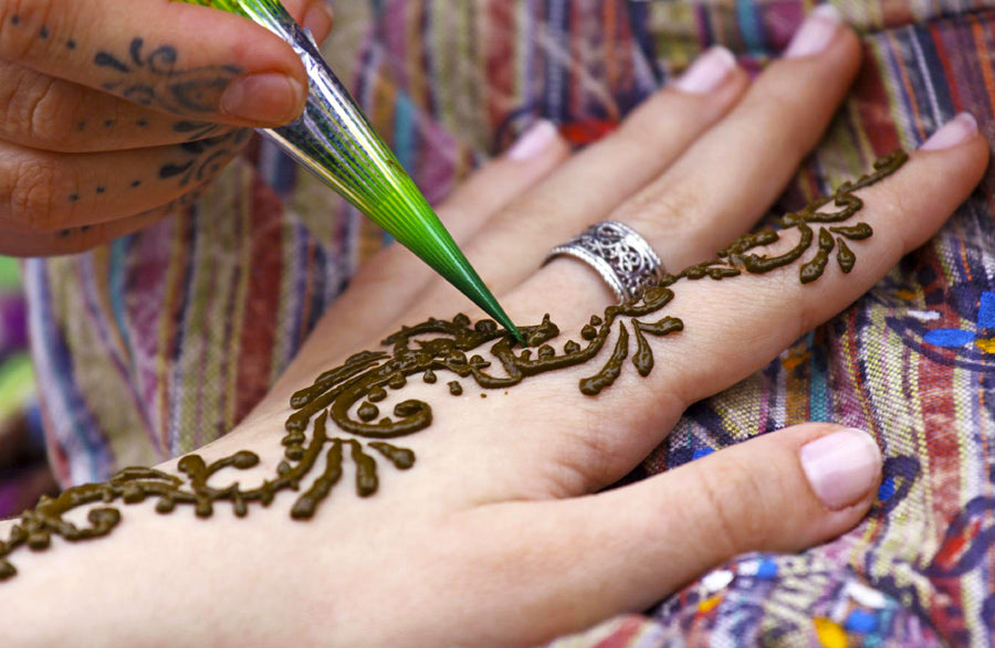 5 Considerations for Becoming a Professional Henna Artist