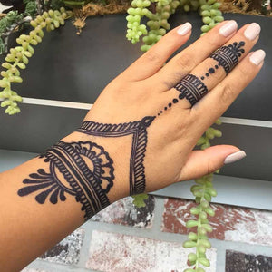 beautiful hand mehndi design made with henna jagua ink.