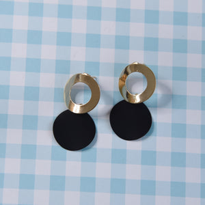 Eva Black Gold Lightweight Fashion Earrings