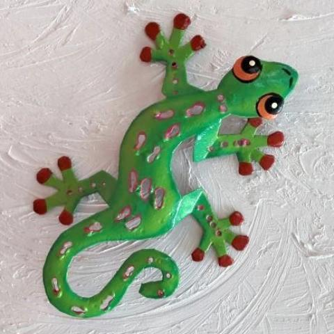 Green Sculpted Metal Gecko Wall Decor by Caribbean Rays