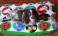 Colorful Cute Dogs and Green Fleece Dog Bed, Bunbed, Dachshunds, Hot Dog Bun Bed
