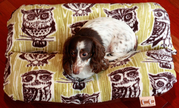 Woodland Owls Autumn Green Wood Grain Fleece Bunbed Dog Bed, Dachshund Hot Dog Bun Bed