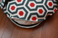 Zipper Close Up on Round Pocket Dog Bed