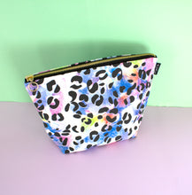 Wht Leopard Print Wash Bag