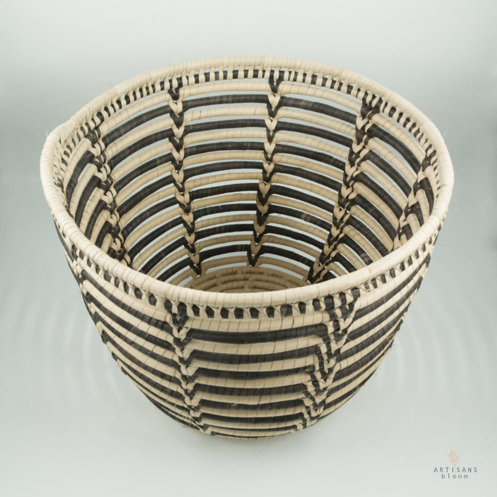 Palm Basket - Black and Natural - Artisans Bloom