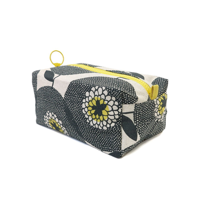 Travel Bag - Flower Fields Penny Black - Artisans Bloom