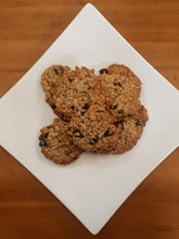 Load image into Gallery viewer, 6 Oatmeal Raisin Cookies