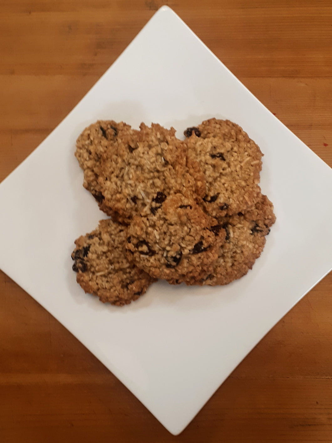 6 Oatmeal Raisin Cookies